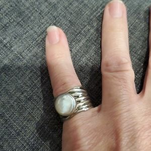 Silpada sterling silver/white coin pearl ring.